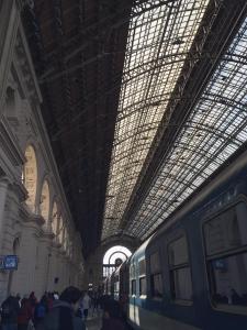 """Der Budapester Westbahnhof (Kelesti). Auch Bahnhöfe wurden vor 100 Jahren dazu benutzt, die technologischen Kenntnisse zu demonstrieren. Heute fällt diese Architektur eher unter """"Steampunk""""..."""