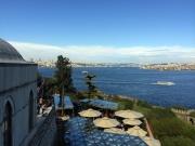 Blick vom Topkapi auf den Bosporus nordwärts. Eine der wichtigsten Wasserstraßen der Welt.